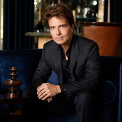 Richard Marx Hosts Katie Couric, Jane Lynch And More On Live Streamed Interview Show #Socialdistancing